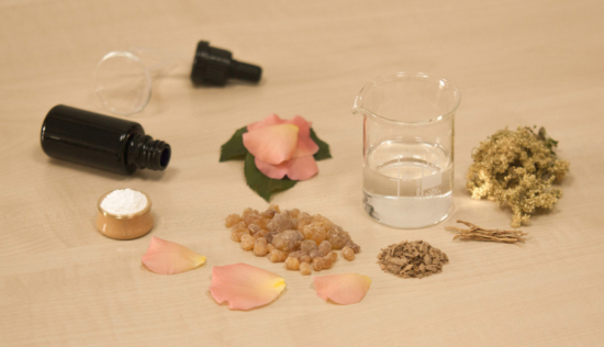 Roll on essential oil bottles for perfumes